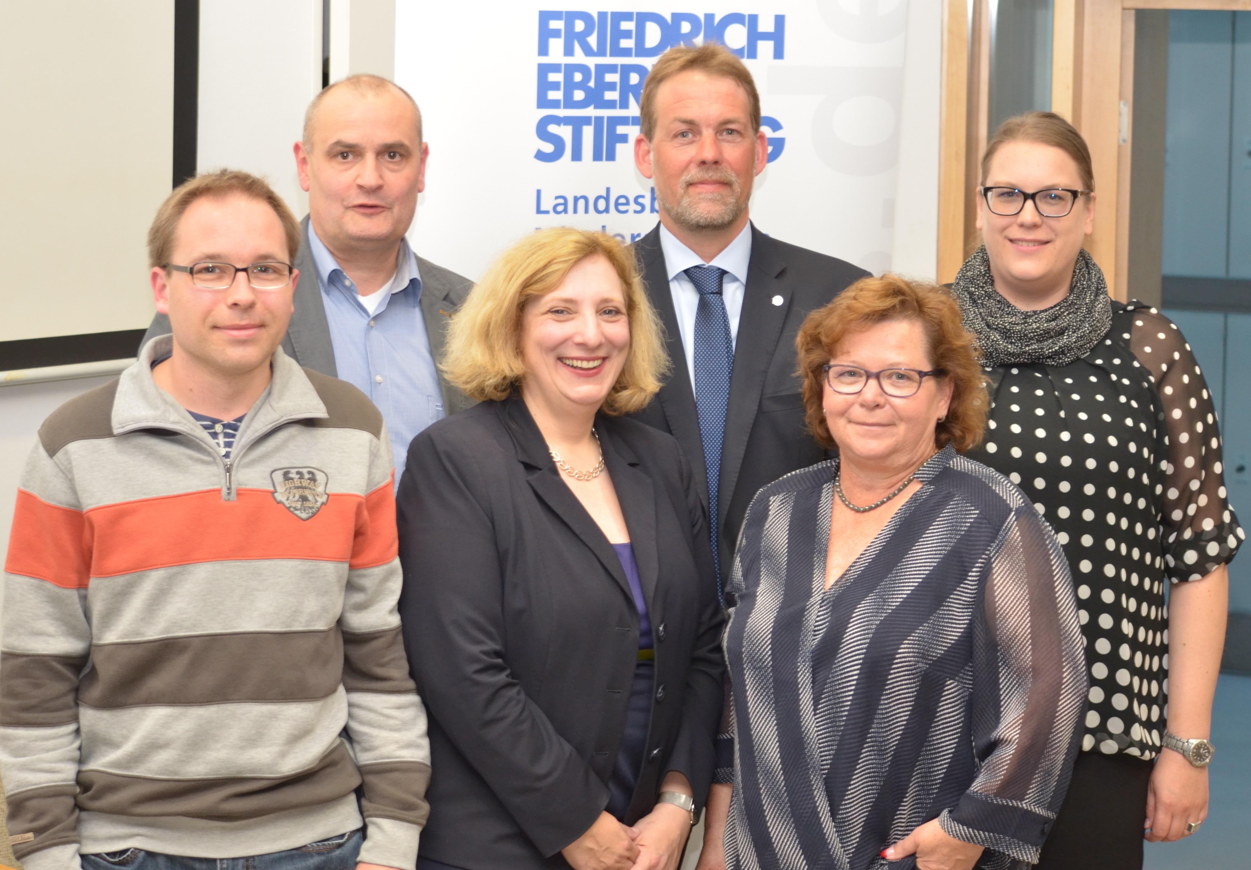 Dr. Daniela De Ridder und die Podiumsgäste bei der Friedrich-Ebert-Stiftung