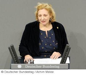 Dr. Daniela De Ridder am Rednerpult des Deutschen Bundestages Foto: © Deutscher Bundestag / Achim Melde