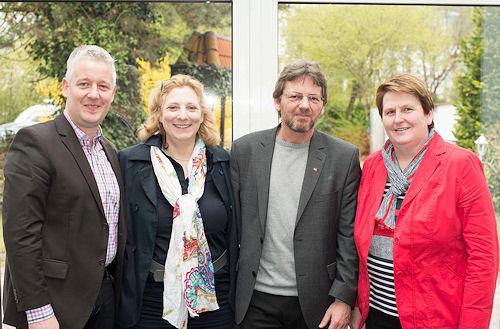 Dr. Daniela De Ridder (2. lks.) zusammen mit MdE Matthias Groote, Markus Paschke, Bundestagskandidat aus Unterems sowie Hanne Modder, Vorsitzende der SPD-Fraktion im Niedersächsischen Landtag. Foto: © SPD