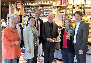 Karin Stief-Kreihe, Frank Butzler, Andrea Kötter, Wiard Siebels, Heinz-Georg Wintering, Dr. Daniela De Ridder, Andreas Kröger (v. links) | Foto: © SPD