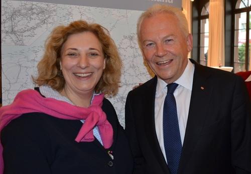 Daniela De Ridder im Gespräch mit Bahnchef Rüdiger Grube