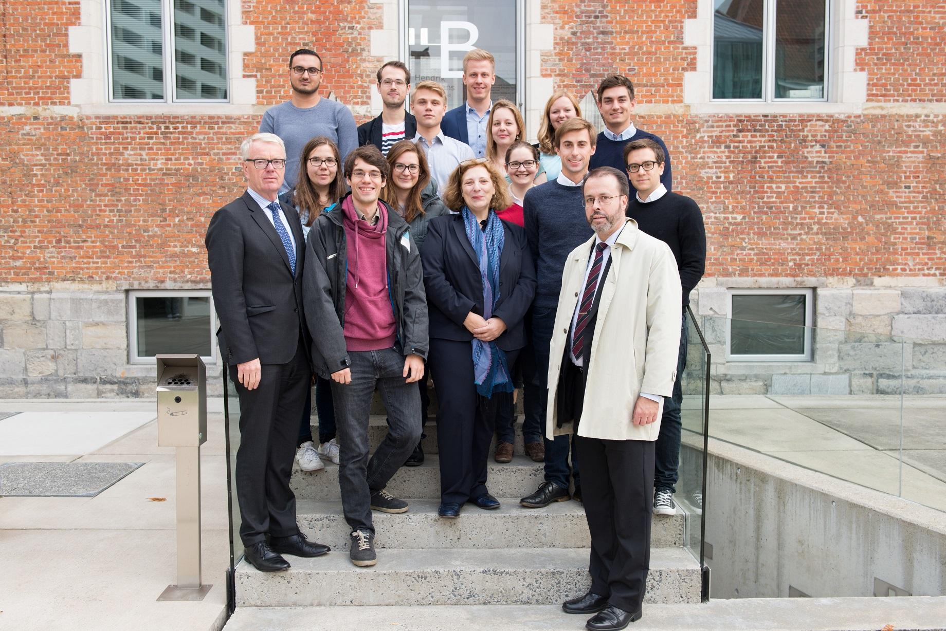 Dr. Daniela De Ridder mit Botschafter Rüdiger Lüdeking am 'College of Europe' (Foto - Stéphanie Parmentier)
