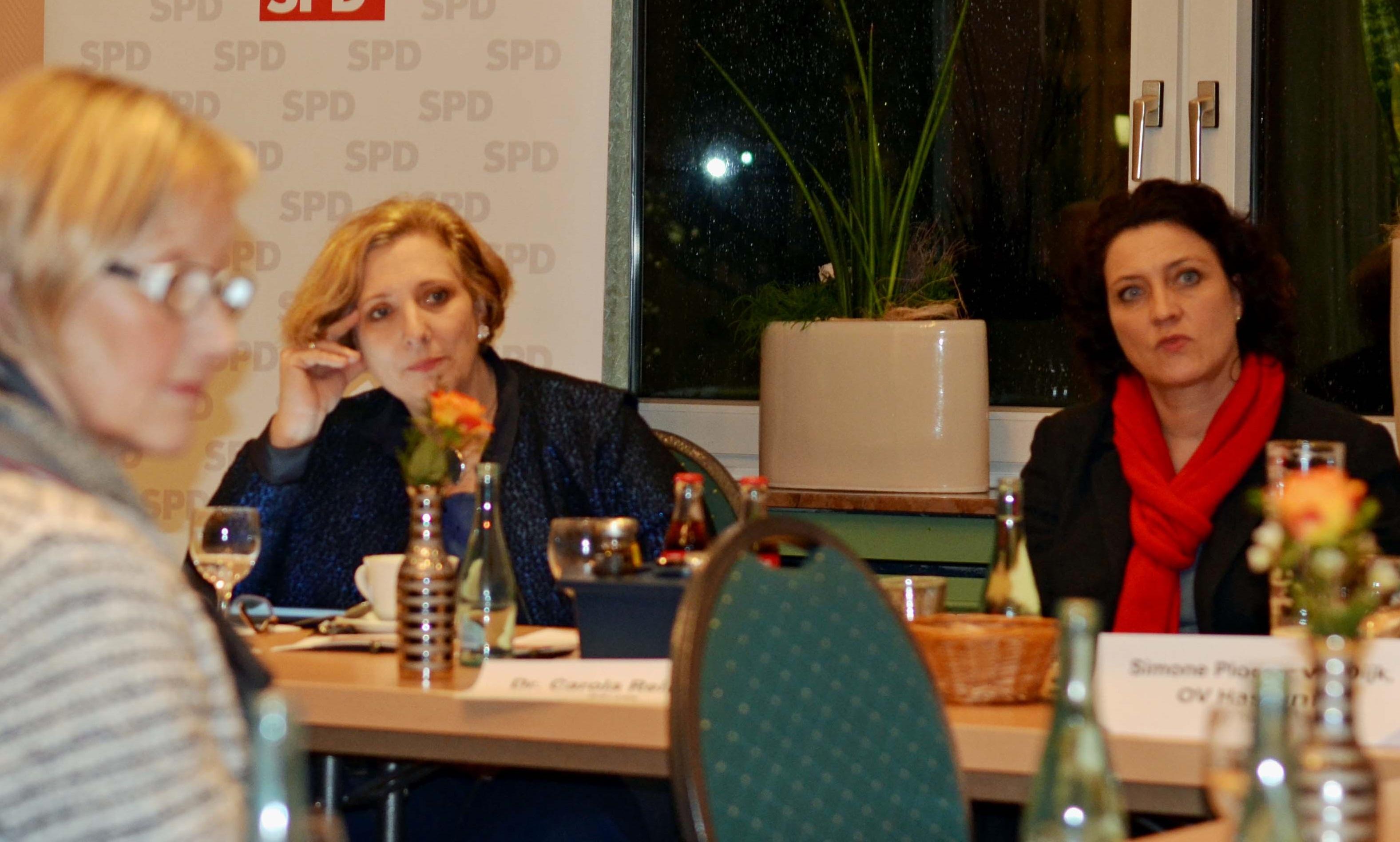 Dr. Daniela De Ridder und Dr. Carola Reimann