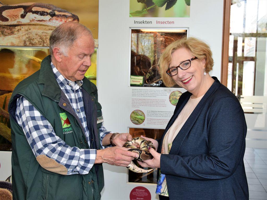 Dr. Daniela De Ridder in der Zooschule im Tierpark Nordhorn
