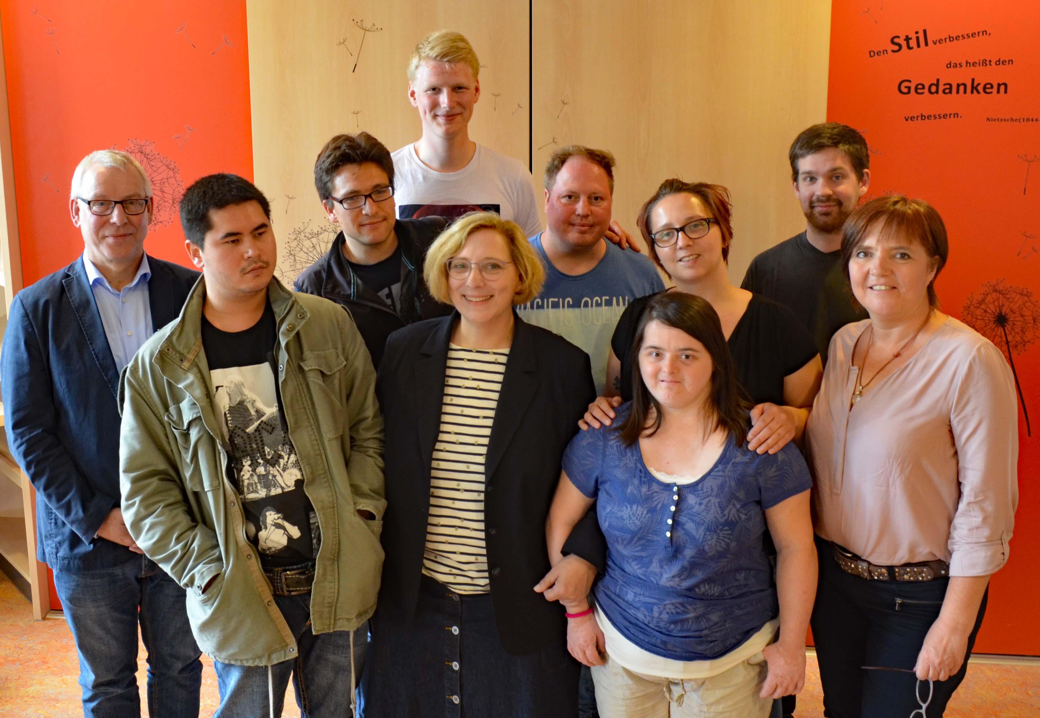 Dr. Daniela De Ridder besucht das 'KommIn' in Nordhorn