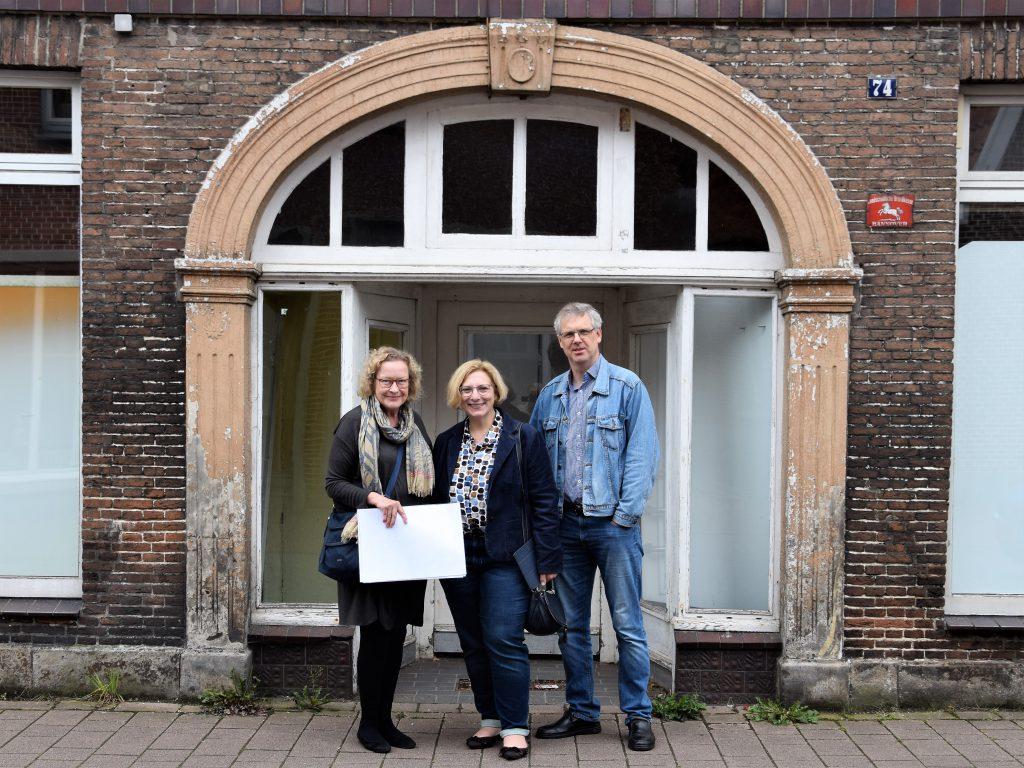 Christa Pfeifer, Dr. Daniela De Ridder und Norbert Voshaar