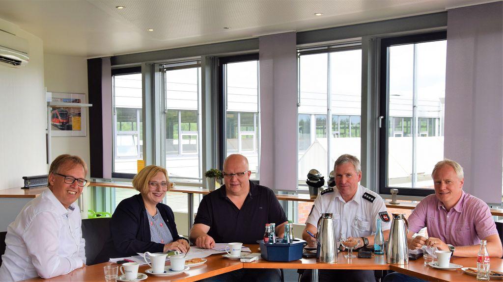 V.l.n.r. - Joachim Berends, Dr. Daniela De Ridder, Hartmut Weusmann, Heinz Wübbenund und Stephan Semper