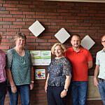 Hermann Nüsse (SPD Wietmarschen), Helga Voet (Leiterin), Dr. Daniela De Ridder, Christian Kerperin (SPD Wietmarschen) und Rainer Axmann (Pastoralkoordinator St. Johannes Gemeinde Wietmarschen)
