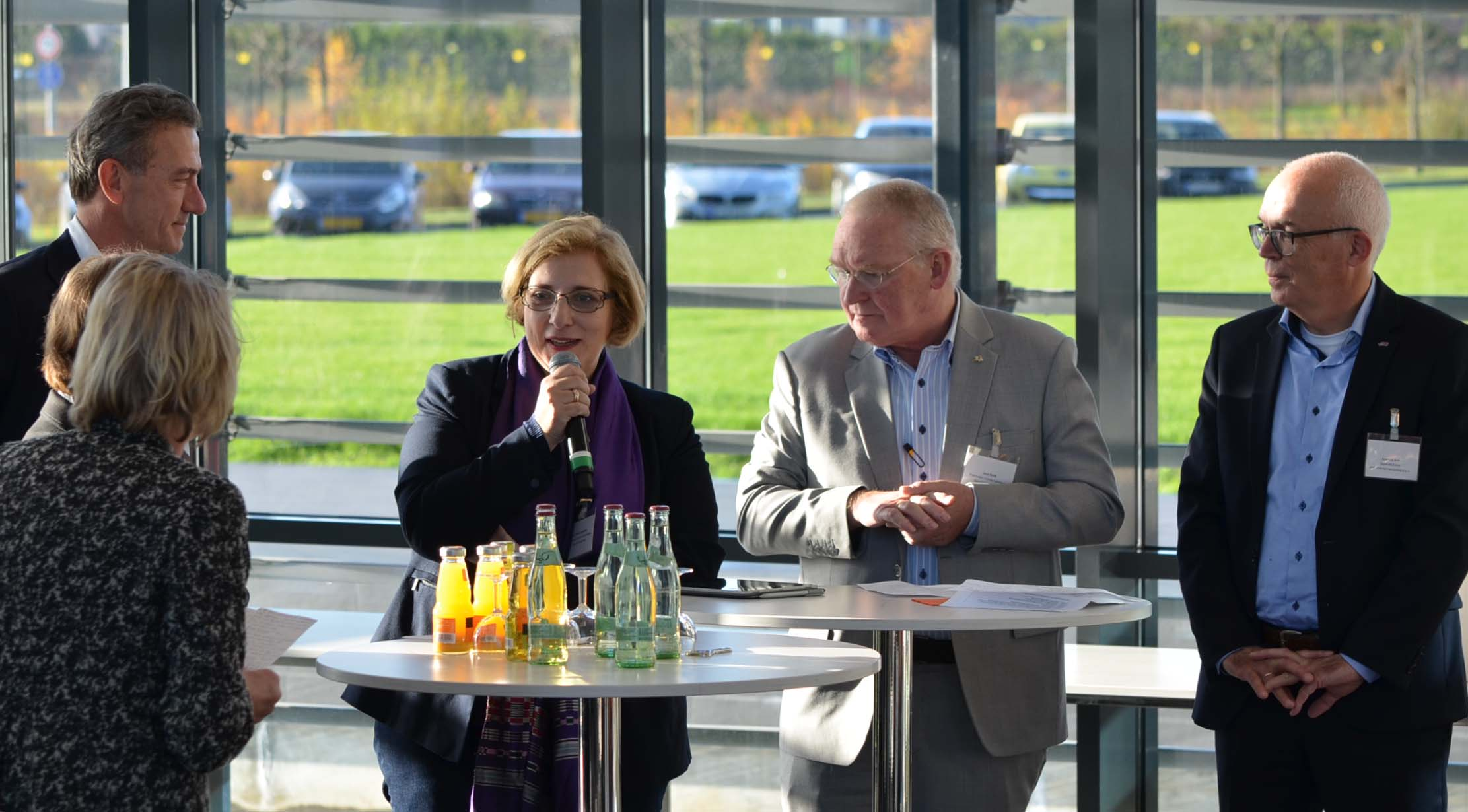 Dr. Daniela De Ridder bei Pakt - Arbeitsmarkt über die Grenze