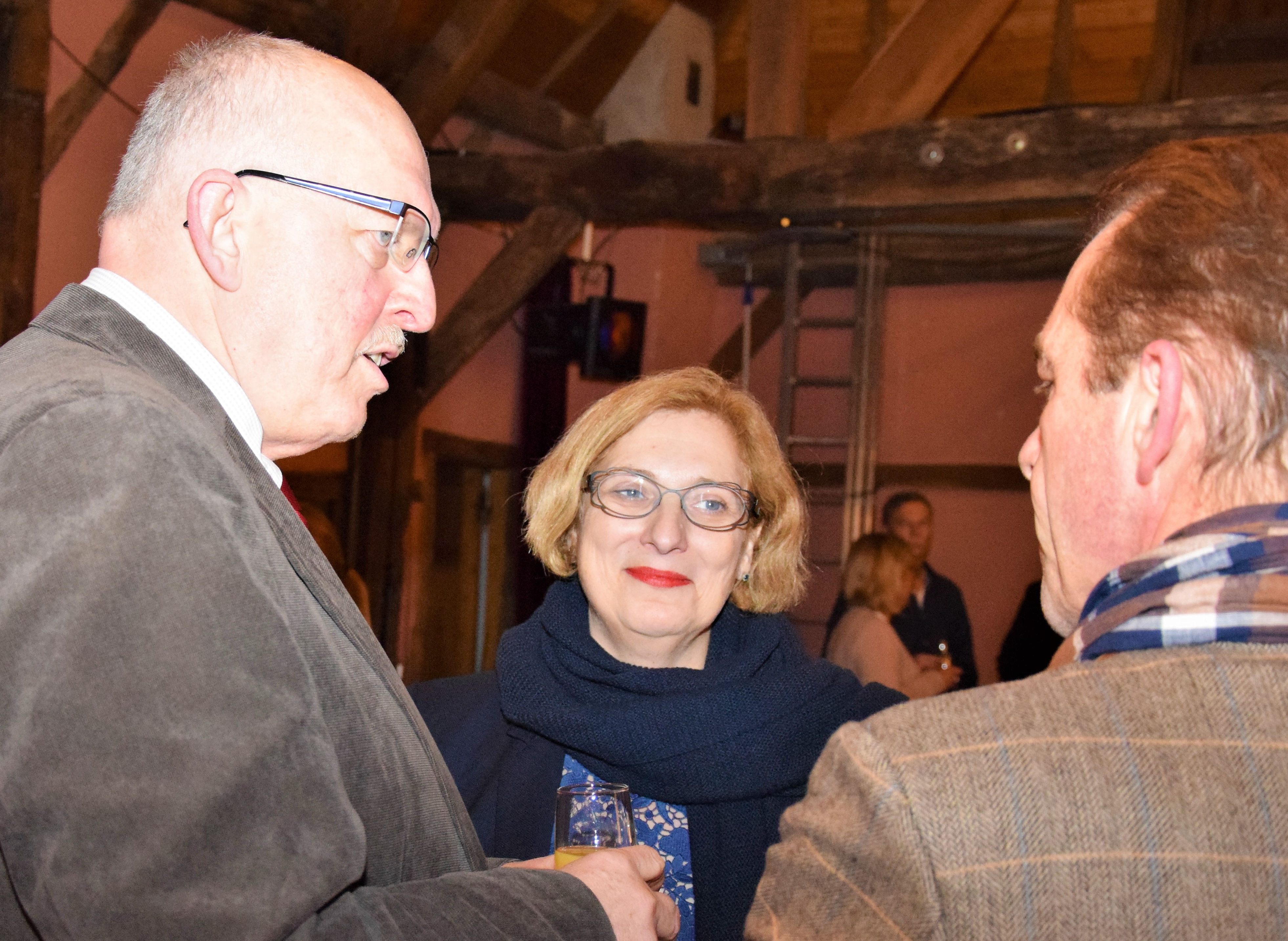 Gerd Will und Dr. Daniela De Ridder beim 25. Jubiläum der Beratungsstelle Hobbit in Nordhorn