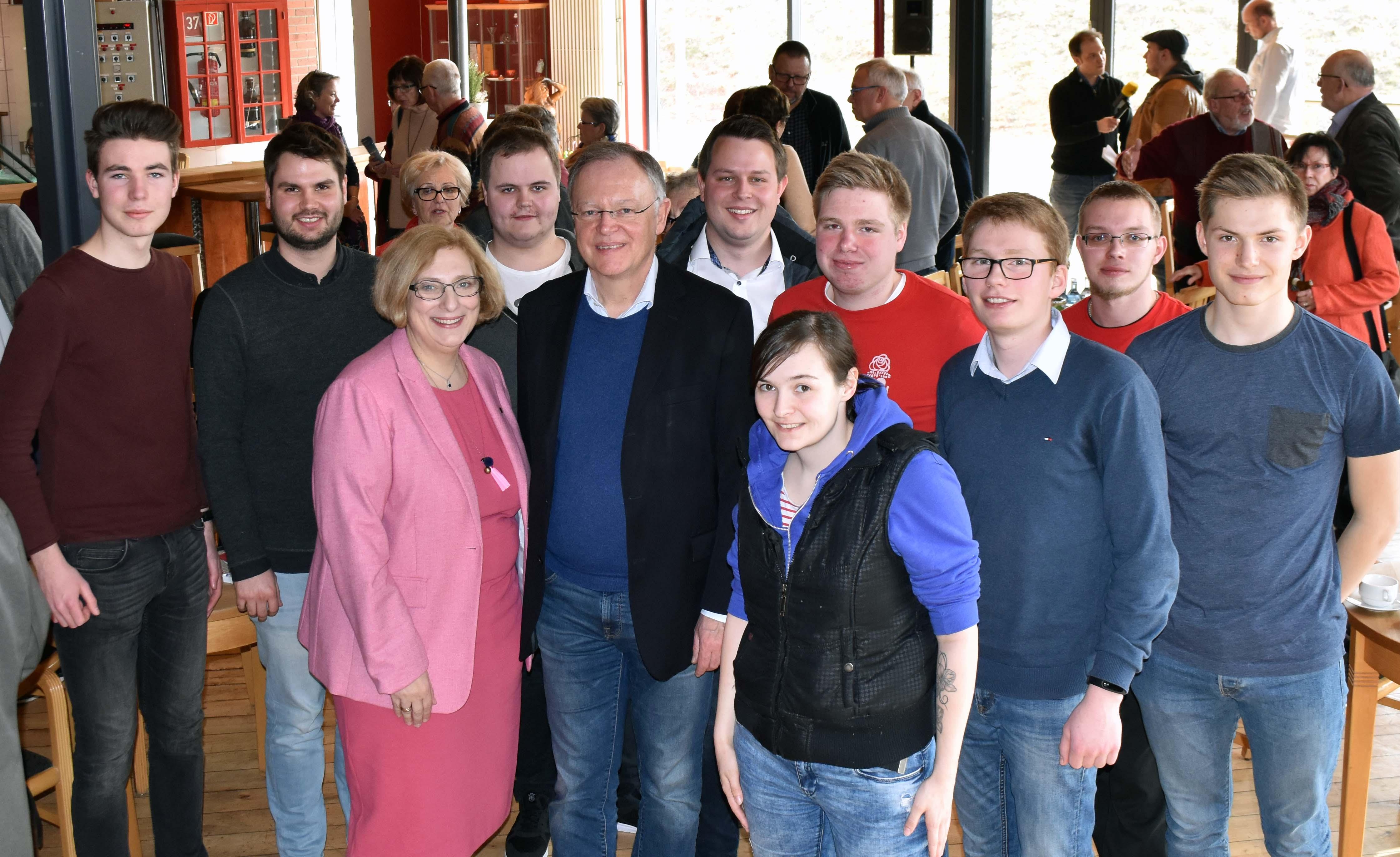 Dr. Daniela De Ridder, Stephan Weil und die Jusos der Grafschaft Bentheim in Nordhorn