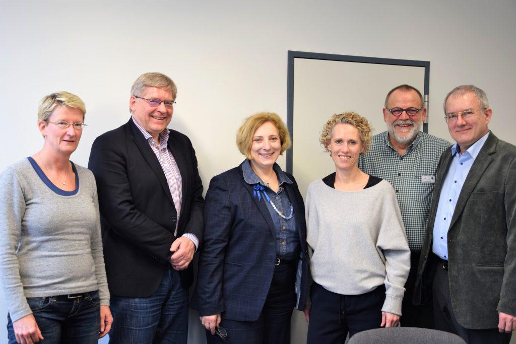 V.l.n.r.: Renate Schnieders, Michael Motzek, Dr. Daniela De Ridder, Gitta Mäulen, Lothar Bergner und Dr. Gerd Vogelsang
