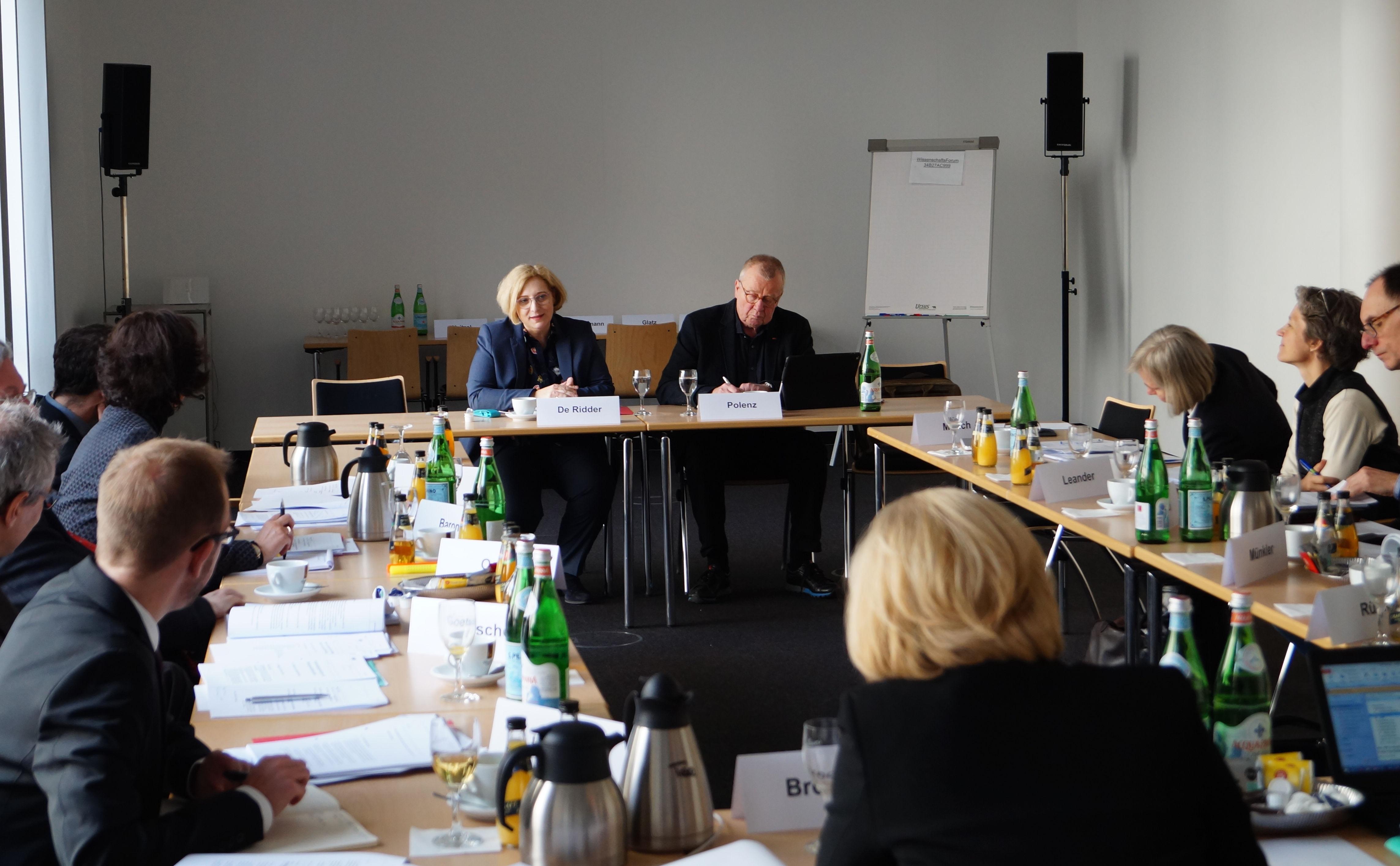 Dr. Daniela De Ridder zu Gast beim Forum des Wissenschaftsrats