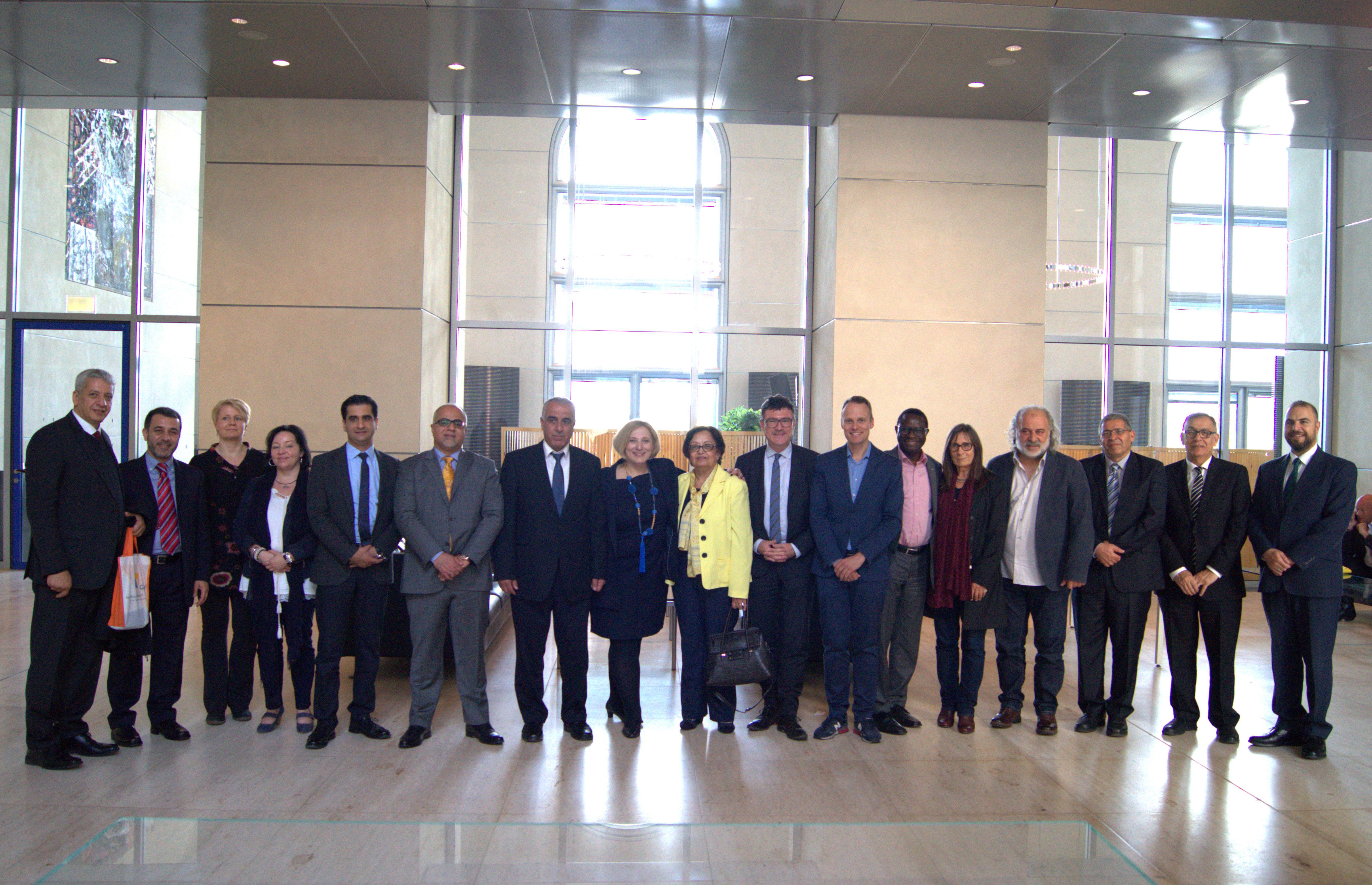Dr. Daniela De Ridder und eine Delegation der German-Jordanian University im Deutschen Bundestag