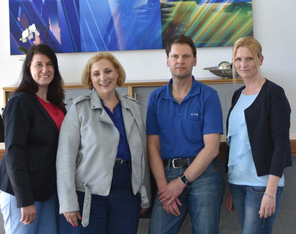 V.l.n.r.: Jennifer Gray (Personalleitung); Dr. Daniela De Ridder; Claudio Feß (Betriebsratsvorsitzender); Sabine Weduwen (stellvertretende Betriebsratsvorsitzende)