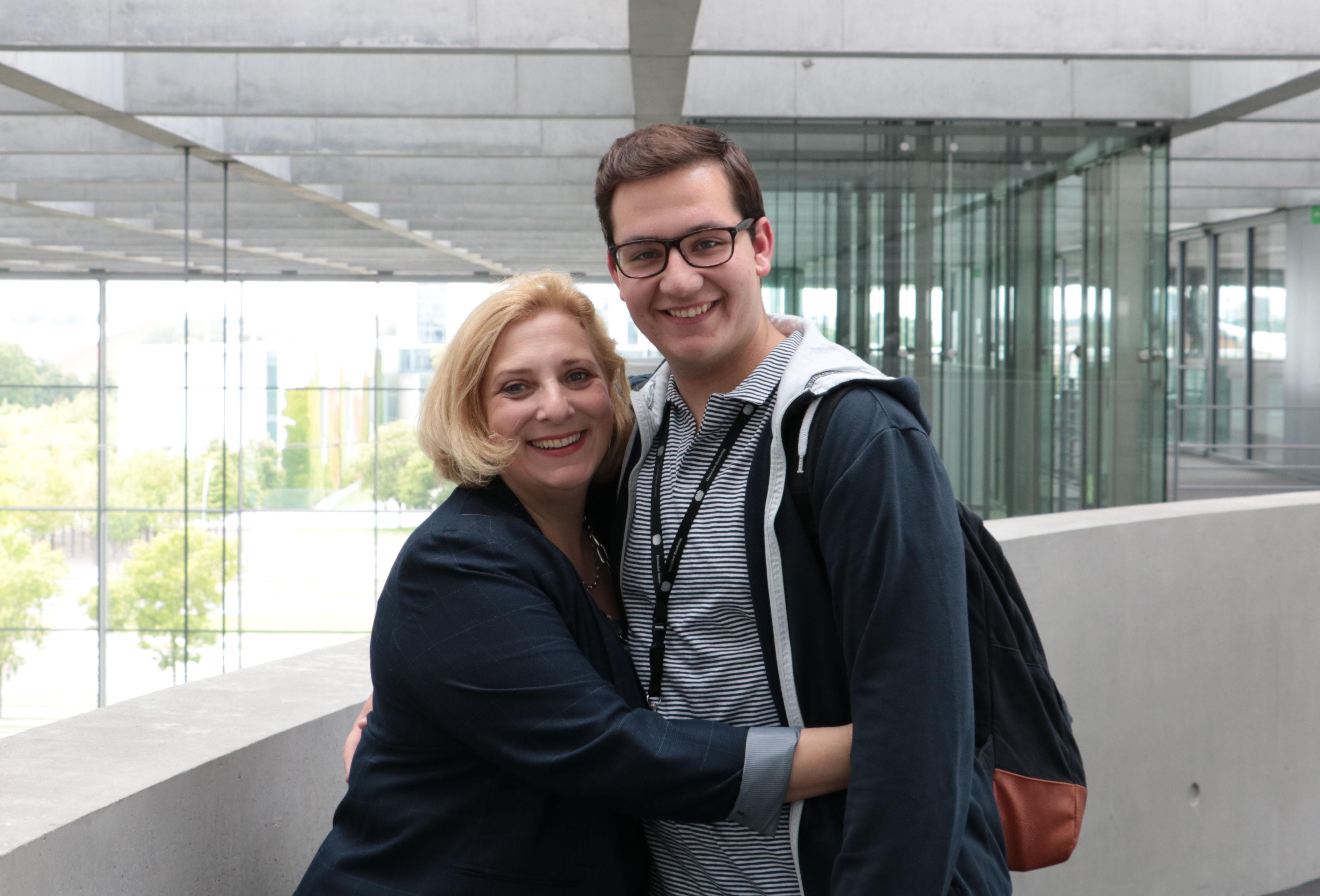 Dr. Daniela De Ridder und Matteo von Vliet im Deutschen Bundestag