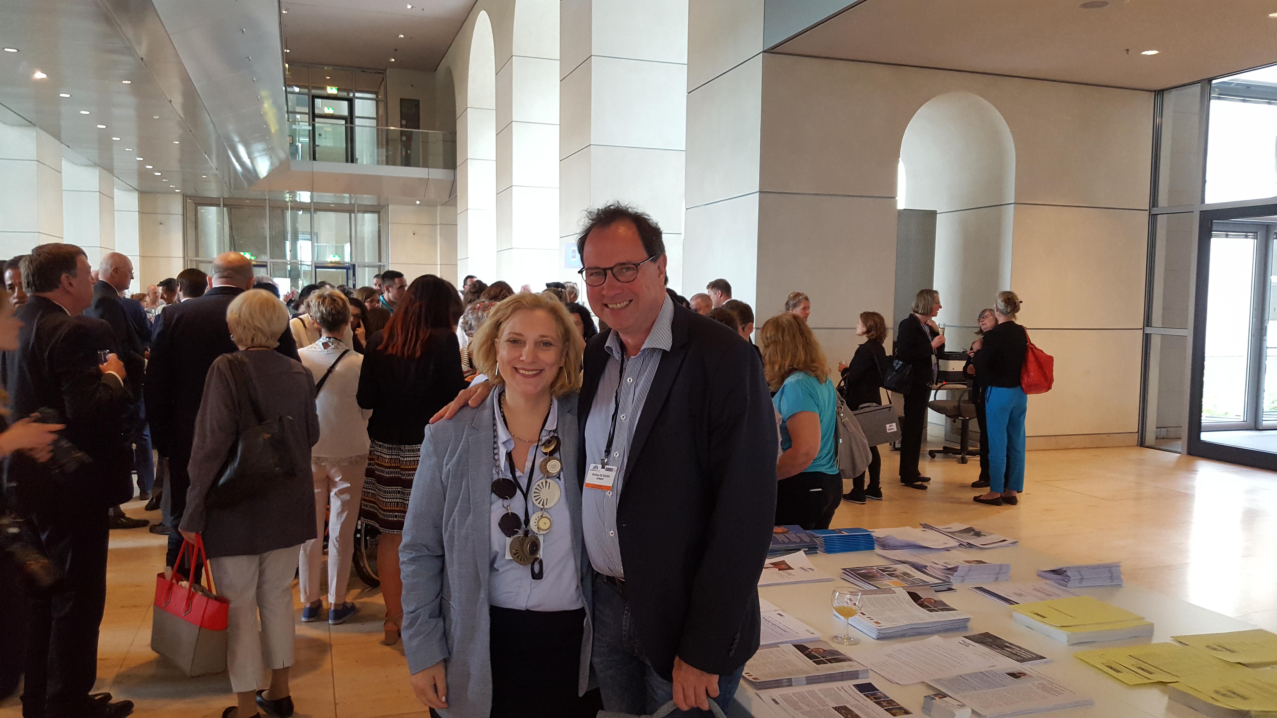 Dr. Daniela De Ridder und Wolfram De Ridder bei der 27. Parlamentarierversammlung der OSZE