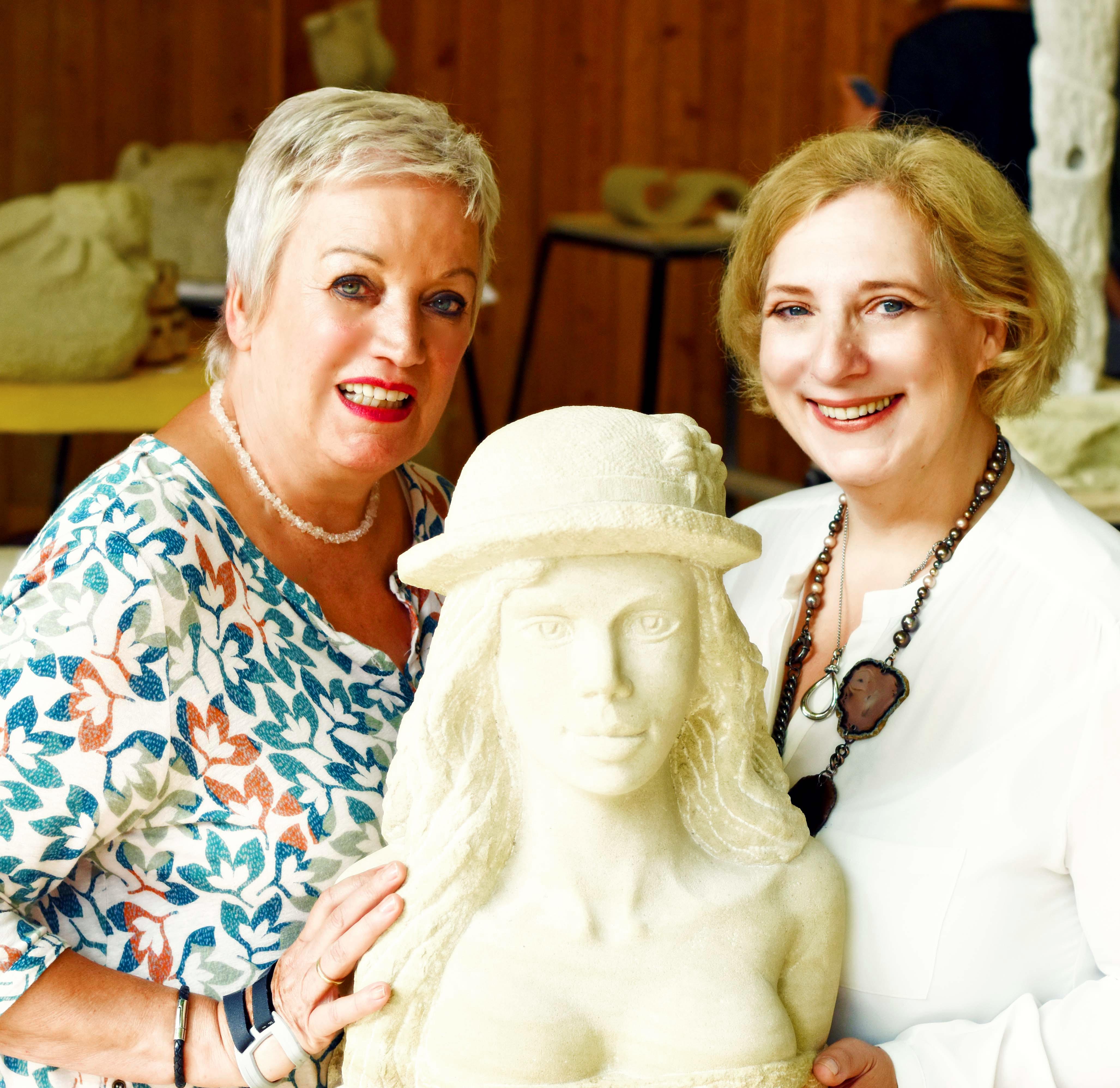 Ulla Kleinlosen und Dr. Daniela De Ridder