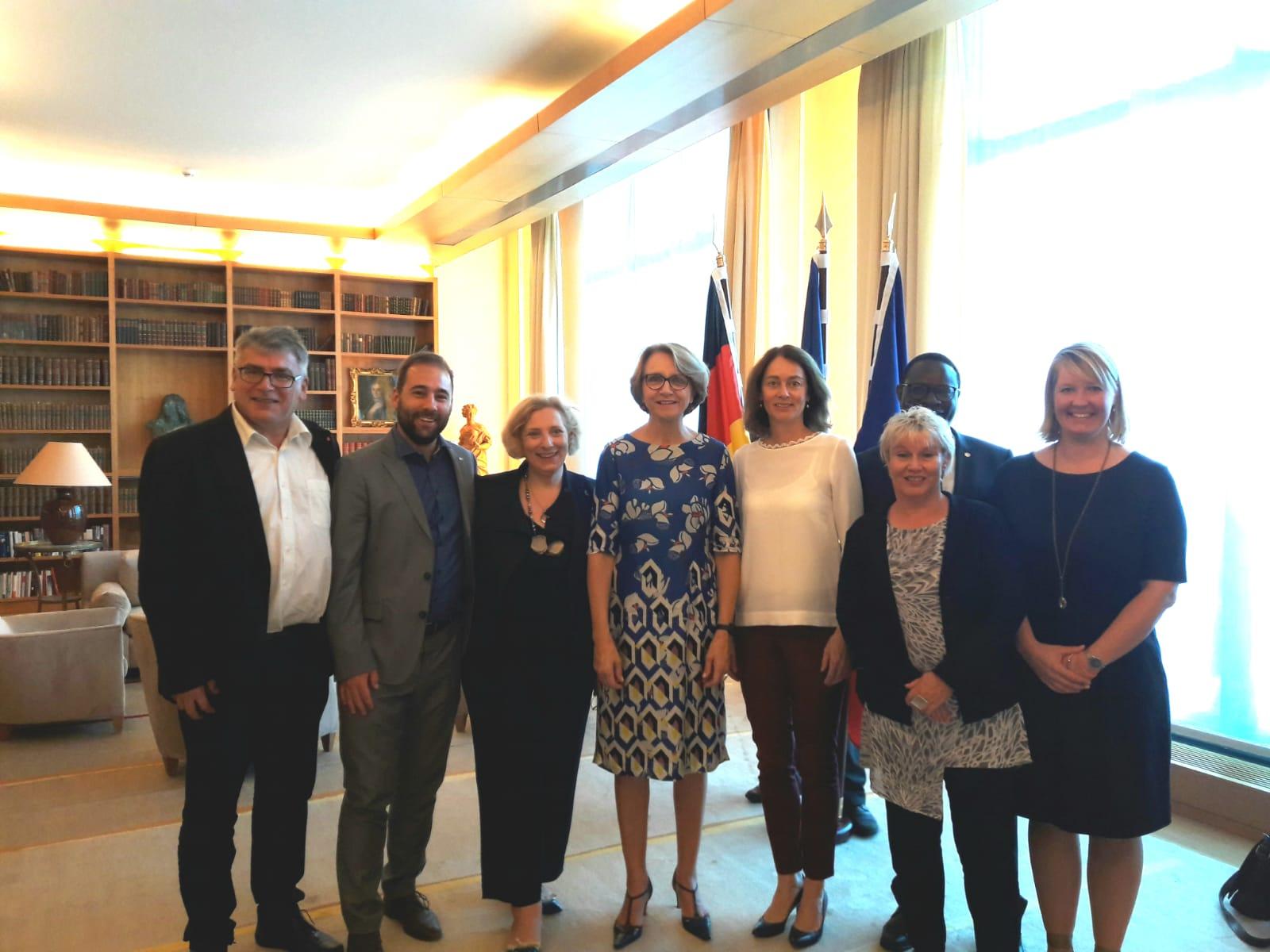 Die stellvertretende Vorsitzende der deutsch-französischen Parlamentariergruppe Dr. Daniela De Ridder mit der französischen Botschafterin Anne-Marie Descôtes (Foto: Französische Botschaft in Berlin)