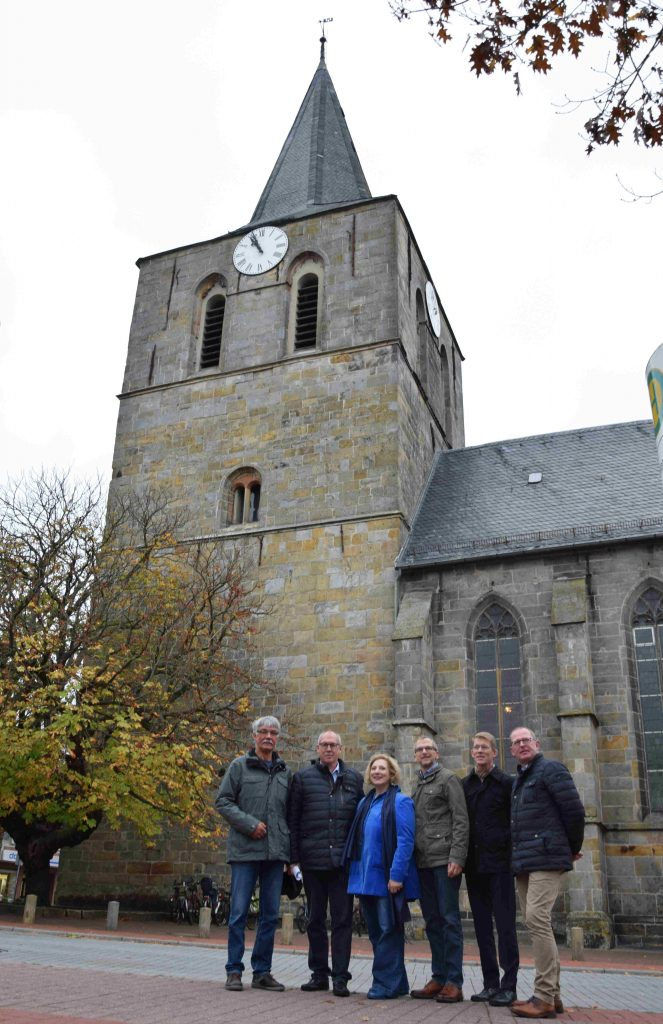 V.l.n.r.: Jan Hinderink, Jürgen Balderhaar, Dr. Daniela De Ridder, Pastor Bodo Harms, Pastor Christoph Wiarda und Bernd-Heinrich Hagmann