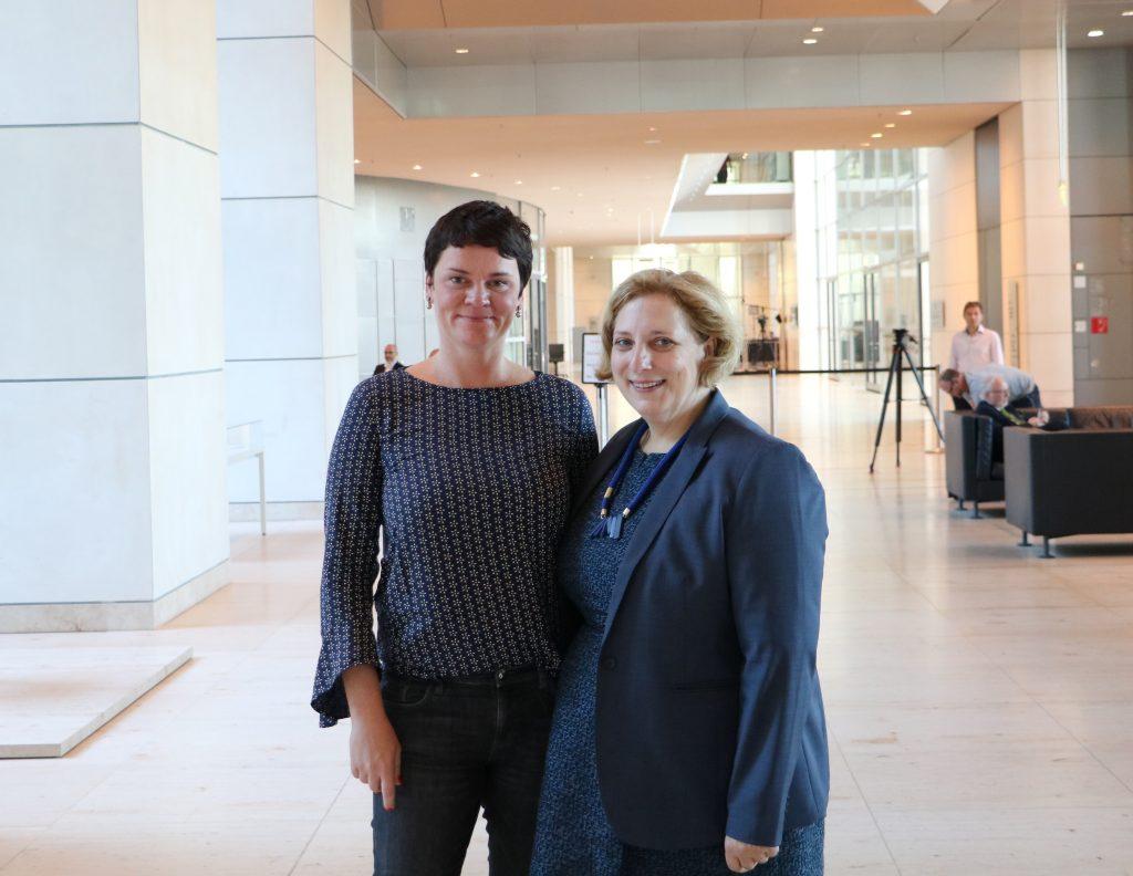 Jeanette Böhme und Dr. Daniela De Ridder