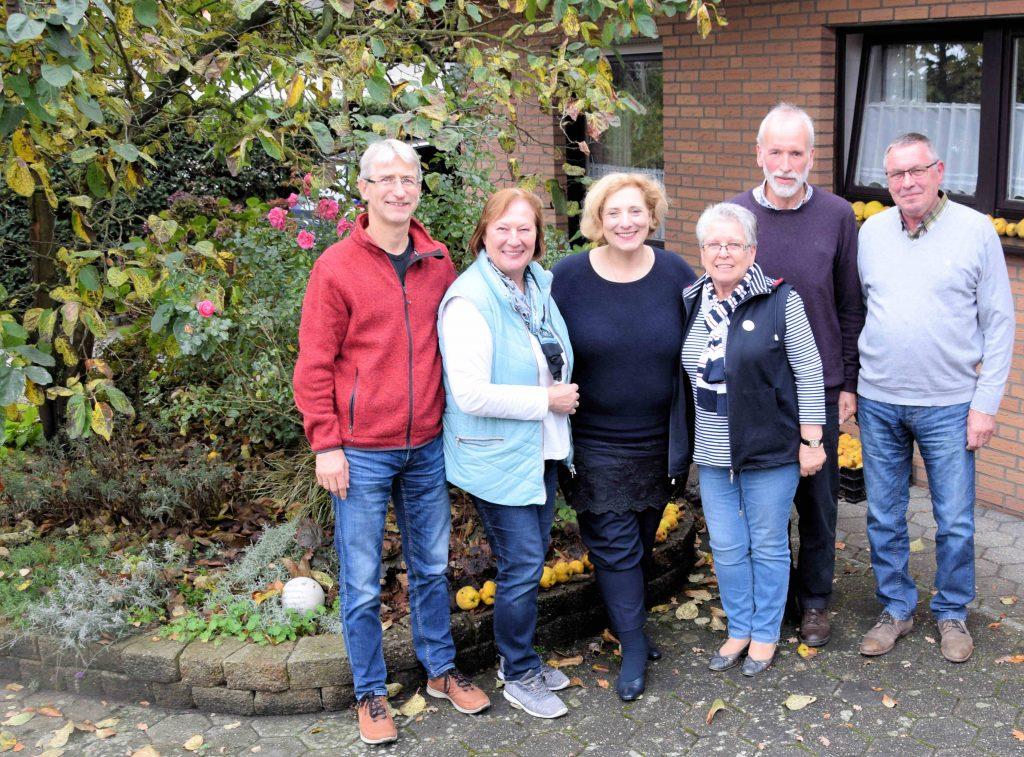 v.l.: Ludger Herbers (Kassenwart), Maria Koopmann, Dr. Daniela De Ridder (SPD-Bundestagsabgeordnete), Helmtraut Roller-Mack, Wolfgang Koopmann (Vorsitzender) und Gilbert Mack (2. Vorsitzender)
