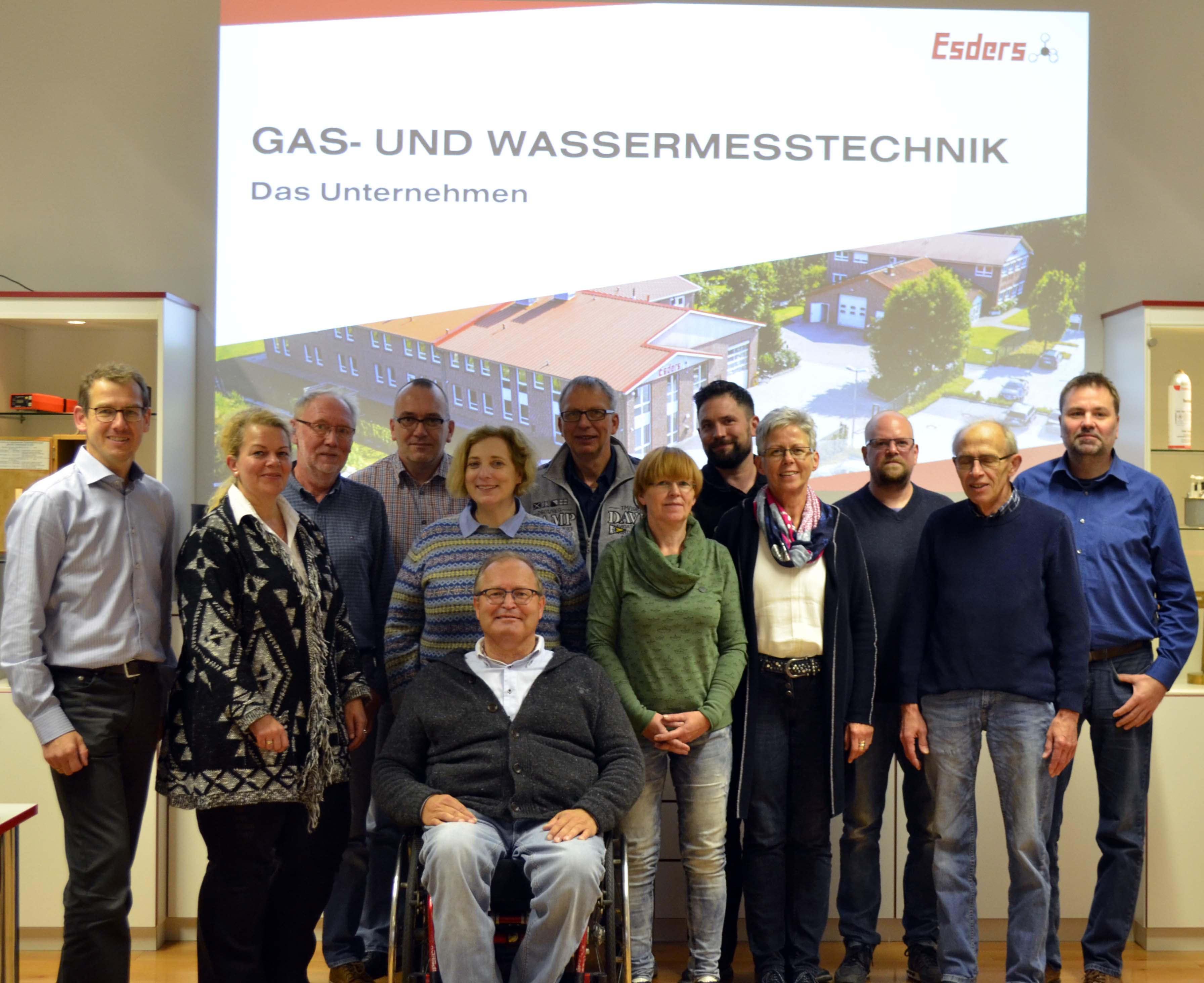Dr. Daniela De Ridder mit den Genossinnen und Genossen aus Haselünne zu Gast bei der Firma Esders