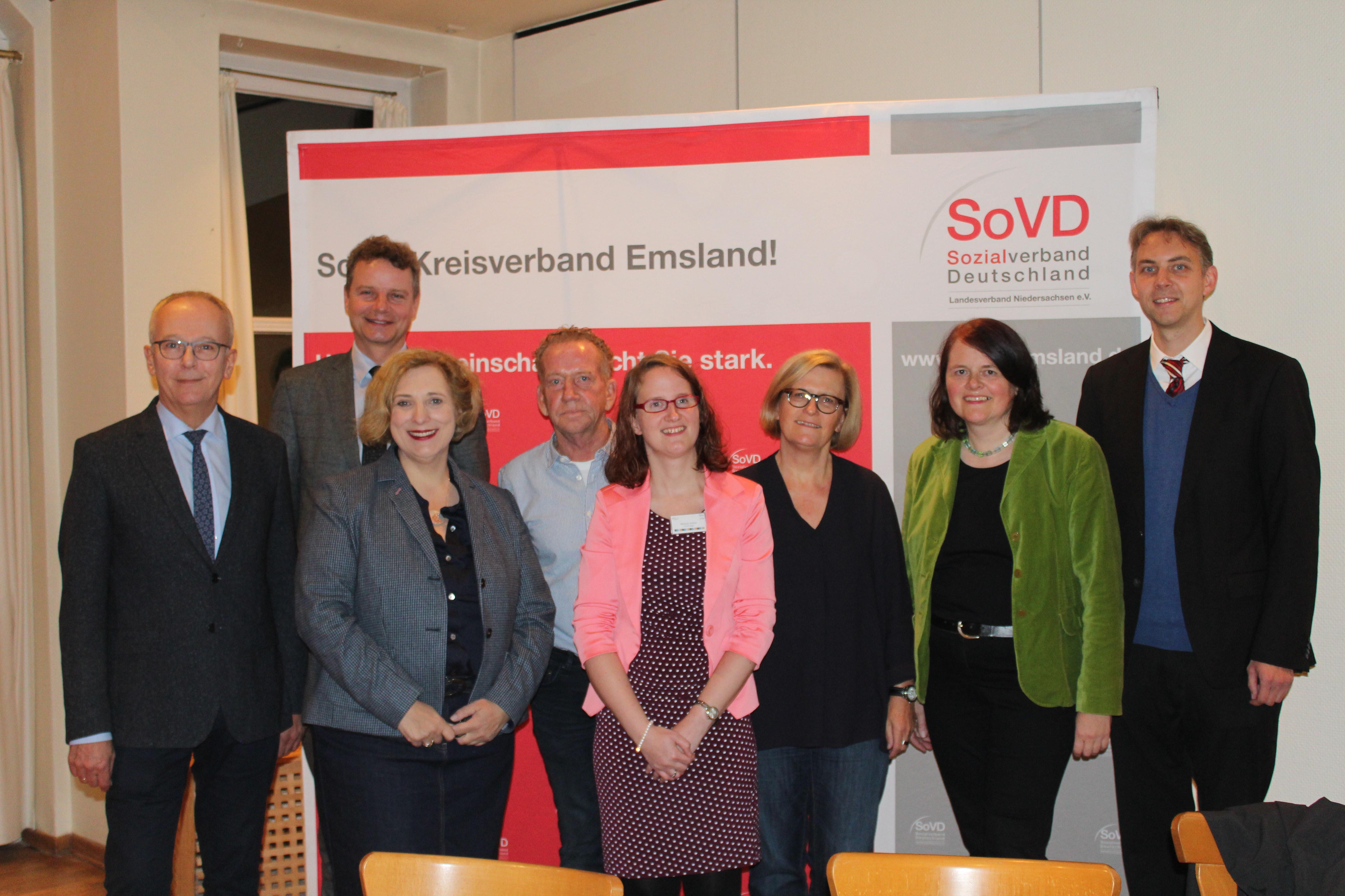 V.l.n.r.: Martin Gerenkamp, Jens Beeck, Dr. Daniela De Ridder, Siggi Gebbeken, Melanie Rüther, Meike Janßen, Petra Künsemüller und Heinrich Schepers (Foto: Petra Hanses vom SoVD Lingen)