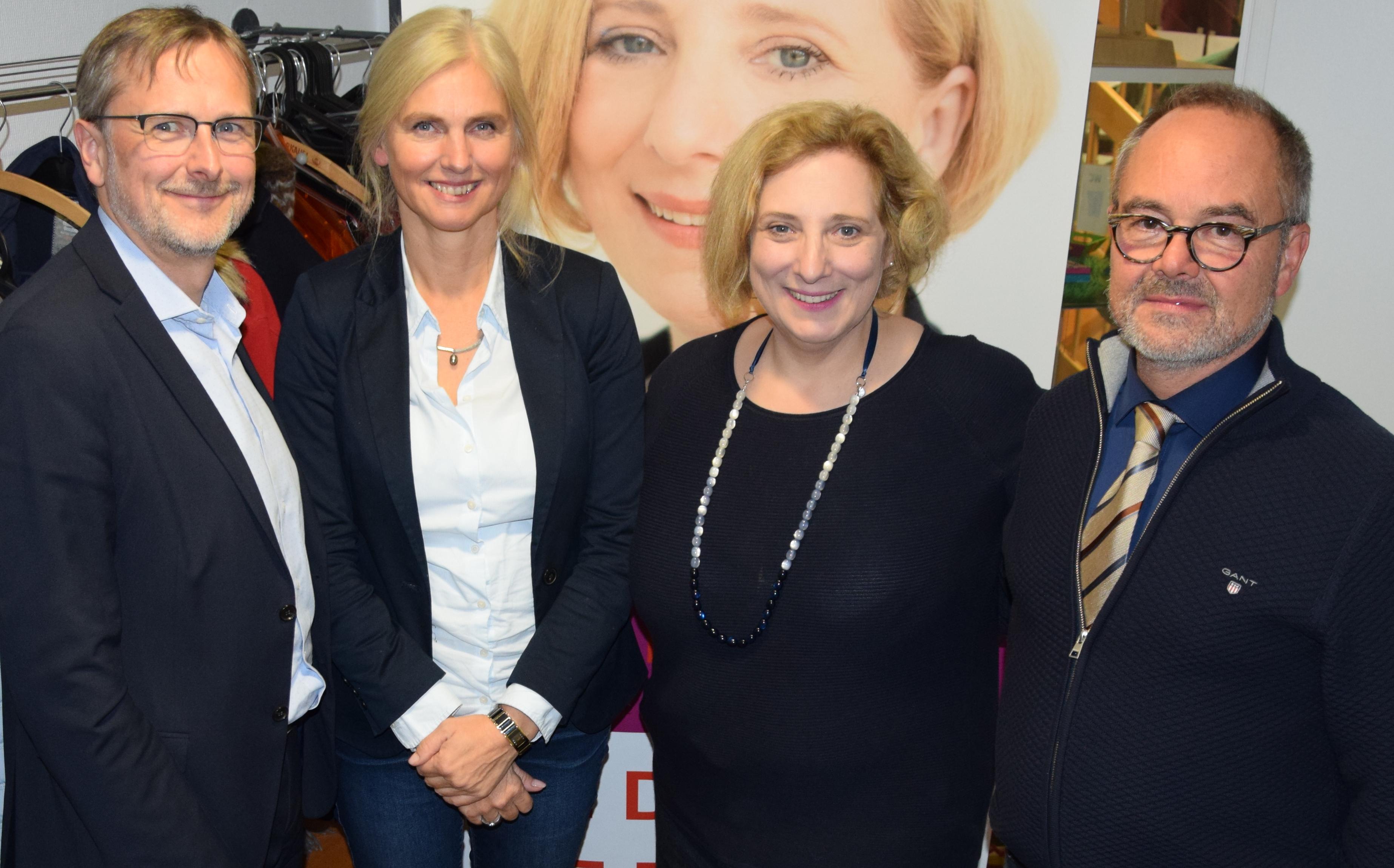 V.l.n.r.: Jürgen Thau, Annegret Hölscher, Dr. Daniela De Ridder und Dr. Arno Schumacher