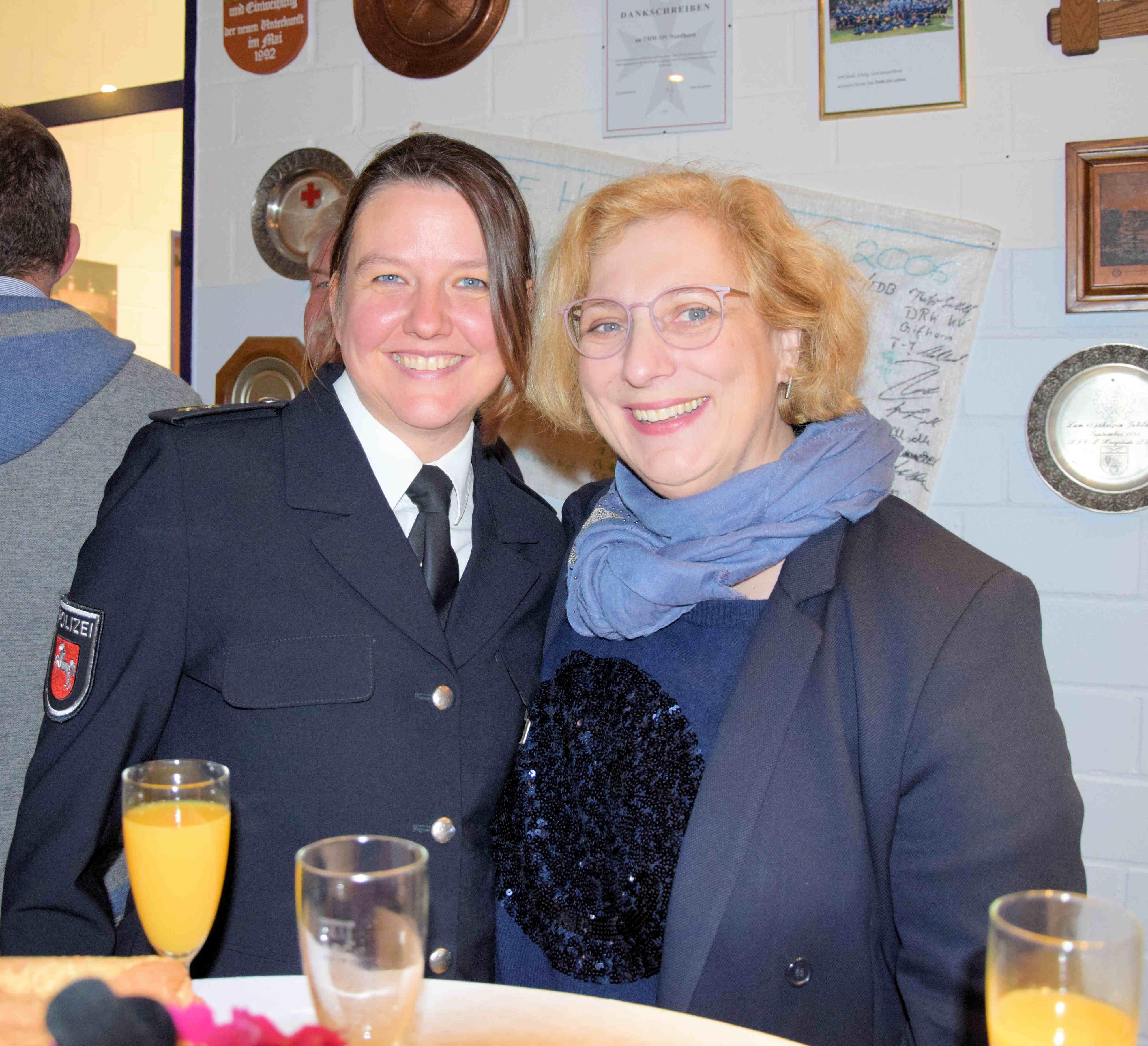 Dr. Hannah Timmer (Leiterin Polizeikommissariat Nordhorn) und Dr. Daniela De Ridder
