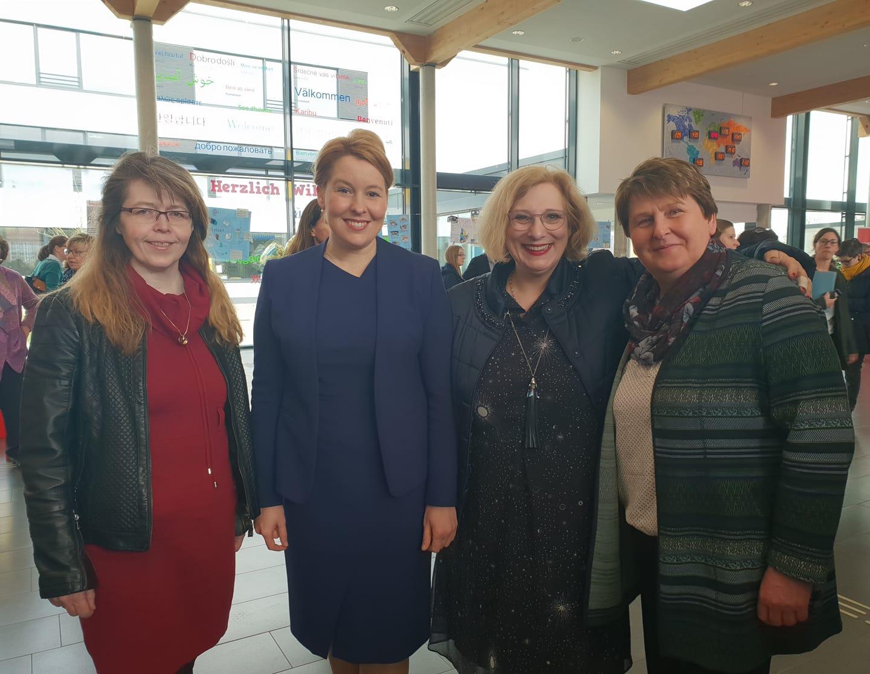 v.l.: Karin Pauls, Dr. Franziska Giffey, Dr. Daniela De Ridder, Hanne Modder