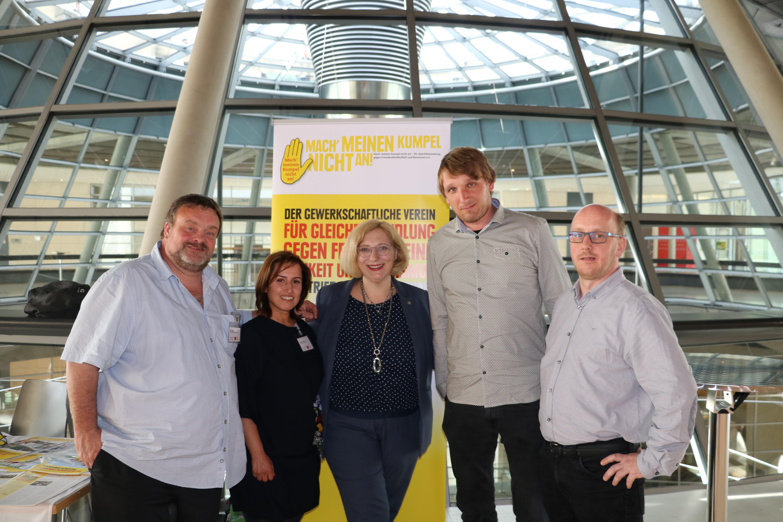 Aktion Gelbe Hand bei der Betriebs- und Personalrätekonferenz