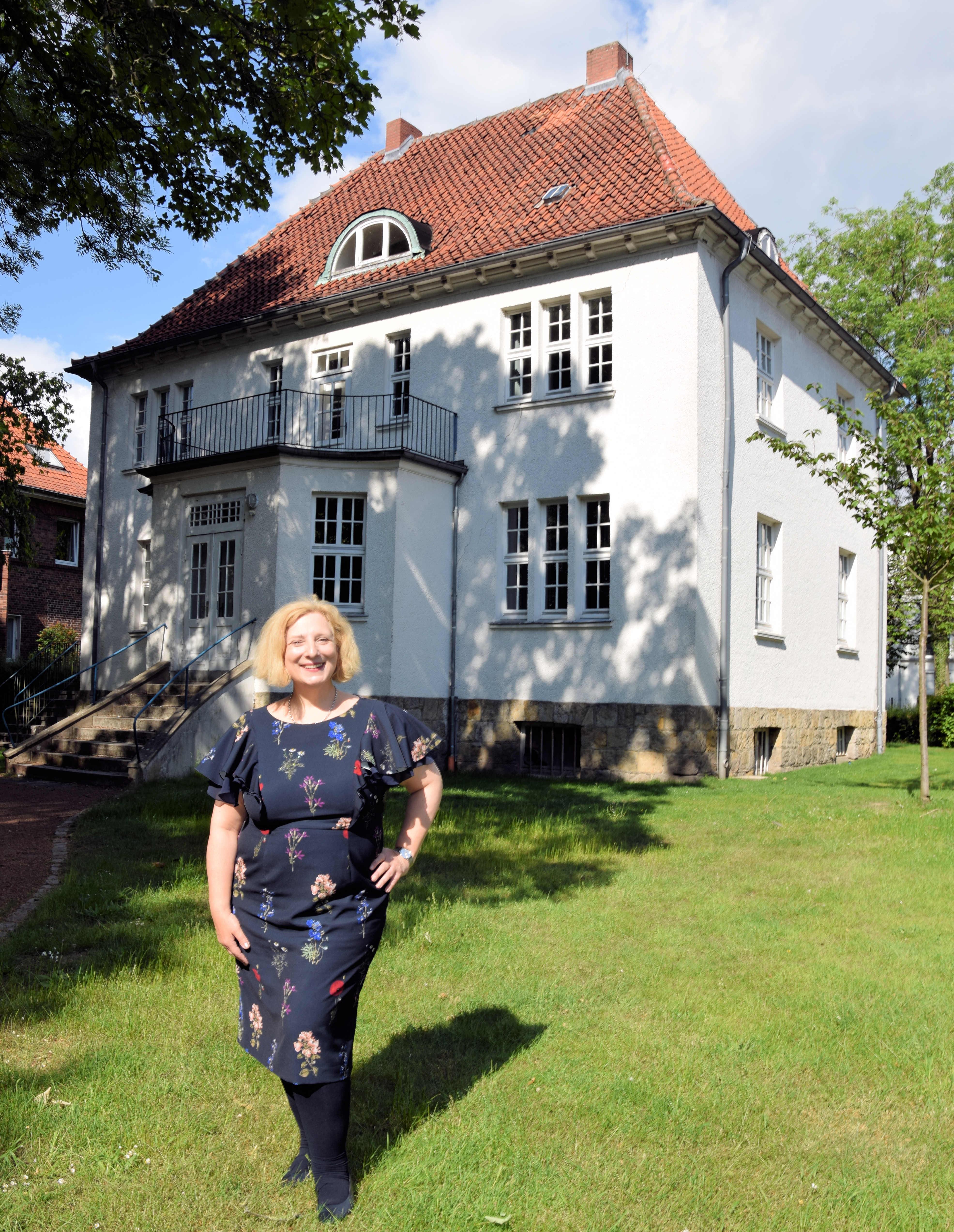 Dr. Daniela De Ridder zu Besuch bei der alten Bürgermeistervilla in Lingen