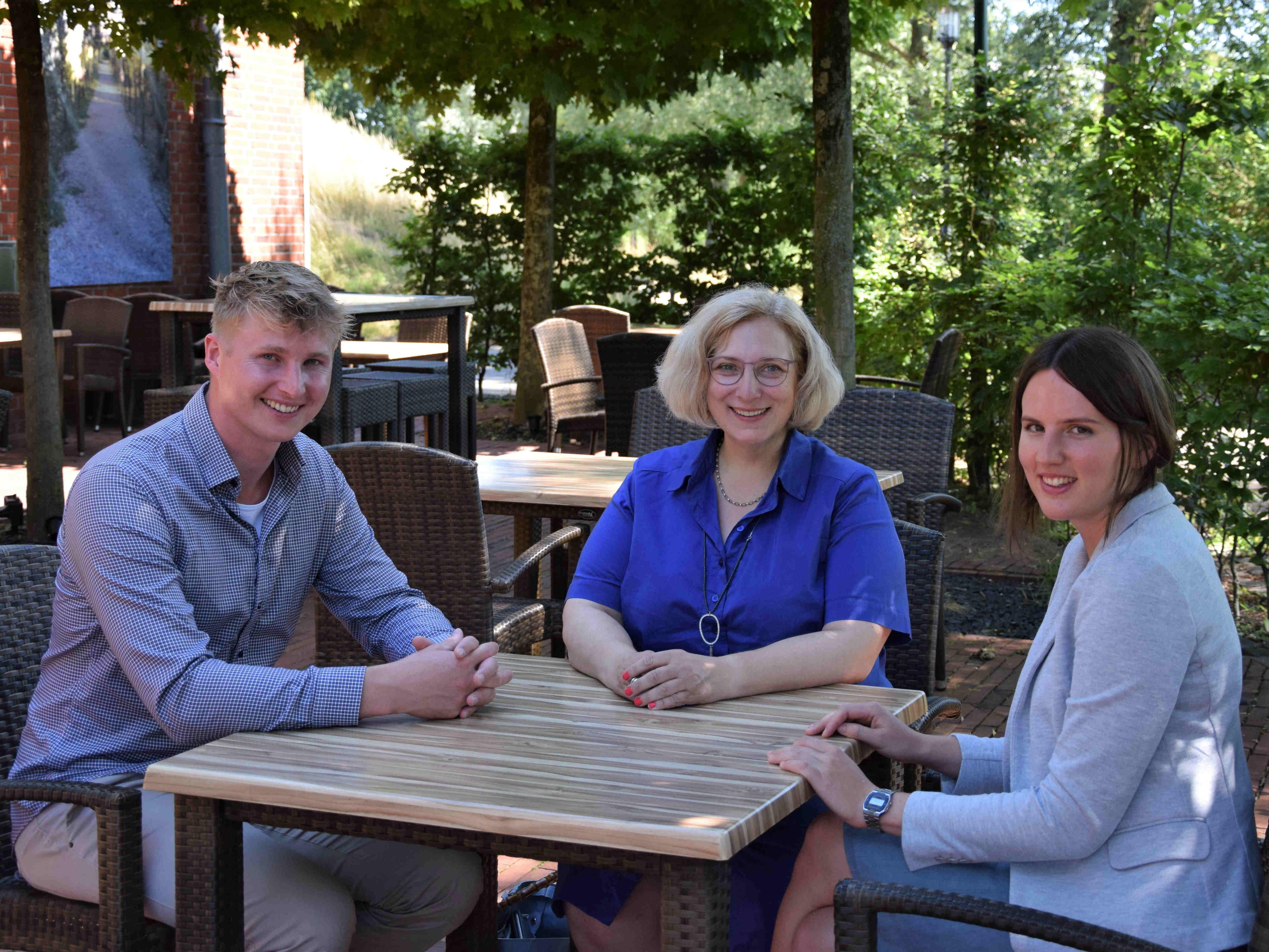 Manuel-Maurice Evers, Dr. Daniela De Ridder und Linda Röhl