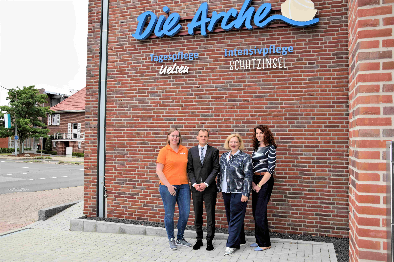 Sara Scholtmann, Dirk Wortelen, Dr. Daniela De Ridder und Anne Baarlink