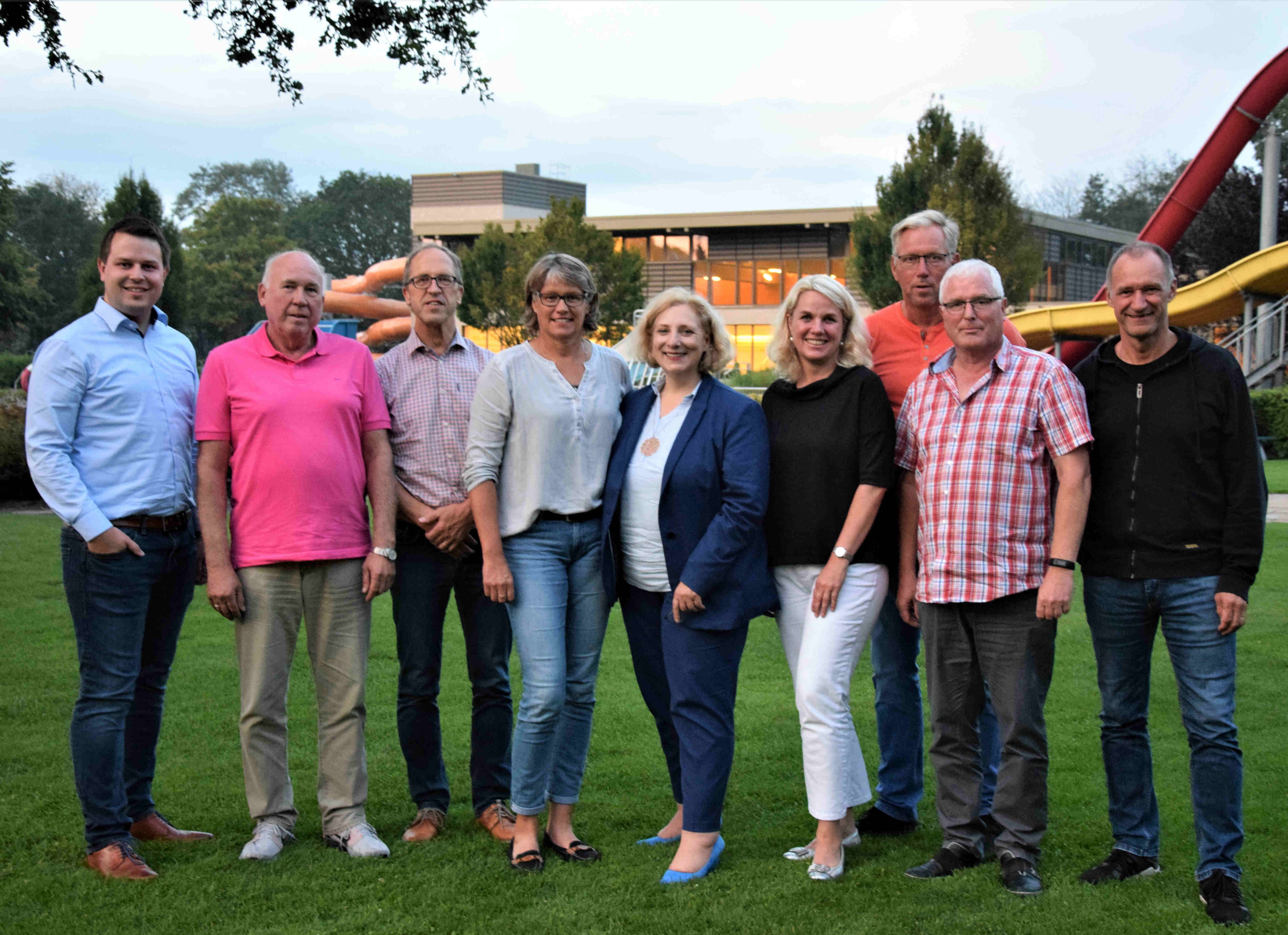 V.l.n.r.: Steffen Müller, Hartmut Schlichting, Detlef Rüger, Claudia Kern, Dr. Daniela De Ridder, Bettina Mundt, Herbert Egbers, Willi Nibbrig, Bernhard Portheine