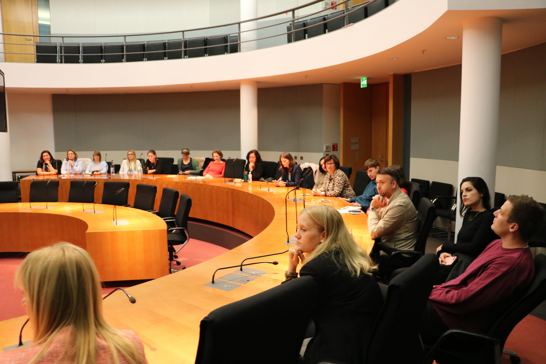 """Gäste des Parlamentskreises """"Frauen in der Außenpolitik"""""""