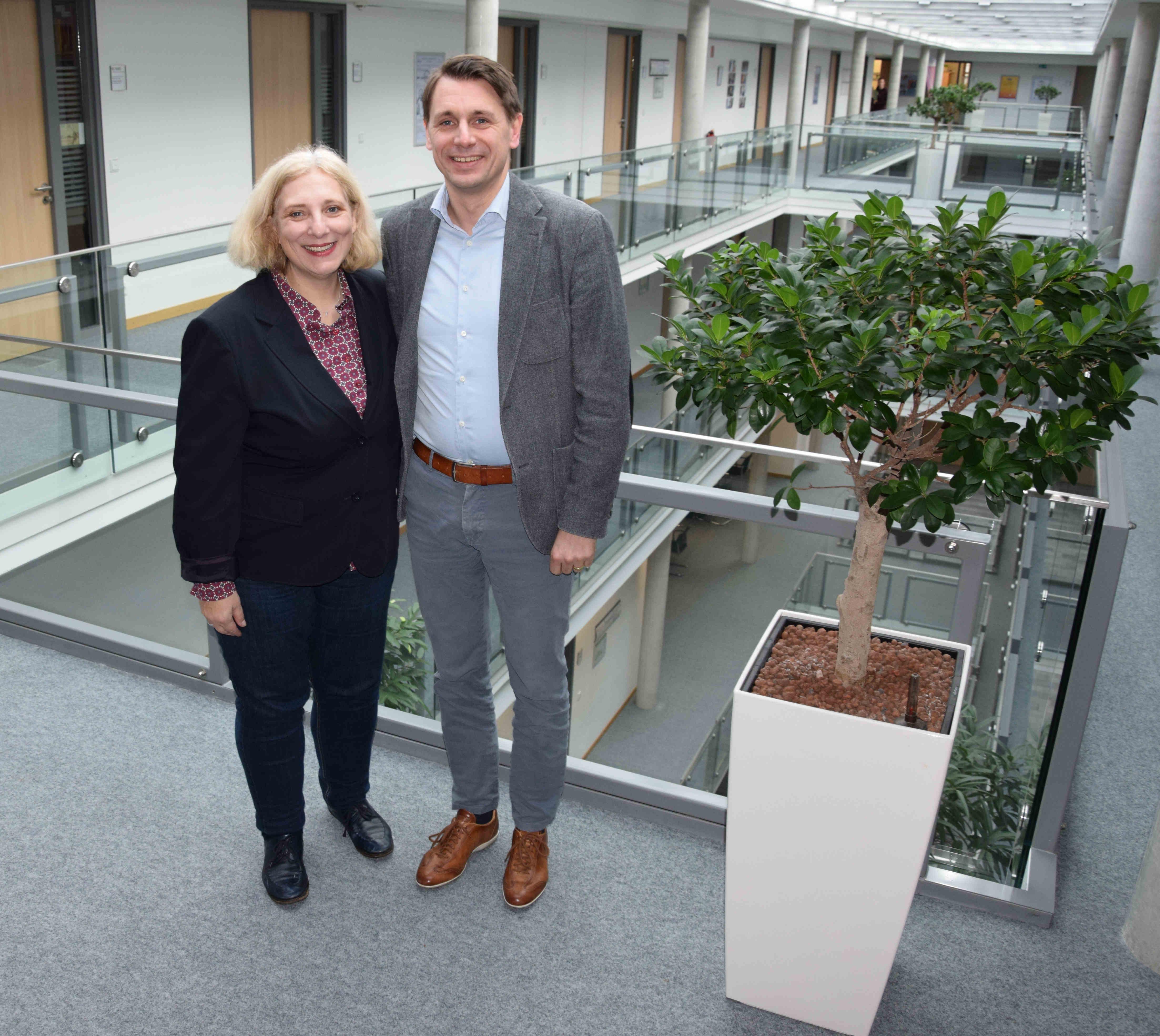 Dr. Daniela De Ridder und Prof. Dr. Ingmar Ickerott