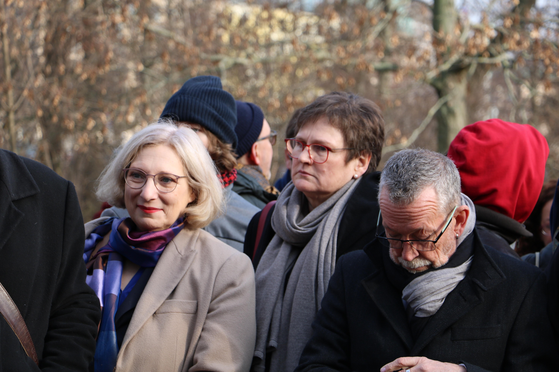 Dr. Daniela De Ridder beim Gedenken zur Befreiung von Auschwitz