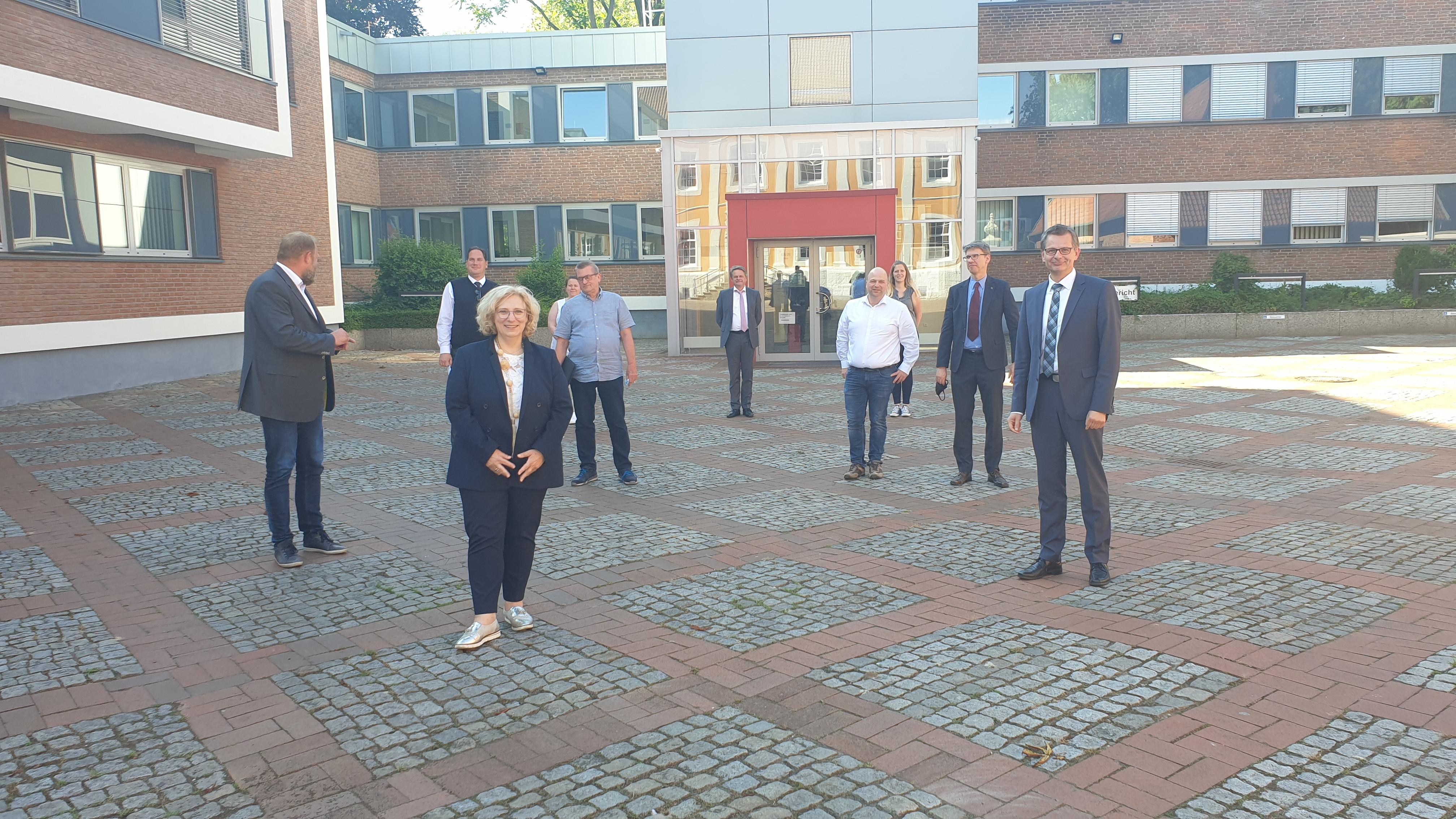 Dr. Daniela De Ridder und Ulf Prange (MdL) zu Gast beim Amtsgericht Lingen