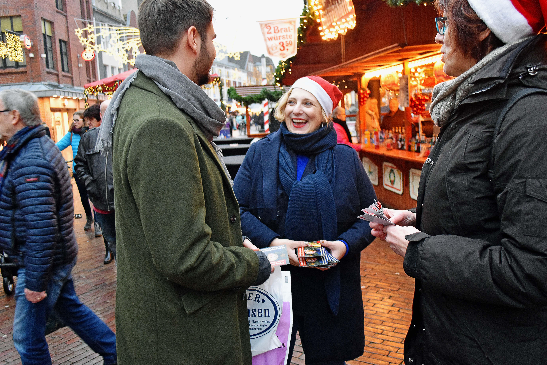 Dr. Daniela De Ridder unterwegs auf den Weihnachtsmärkten der Region