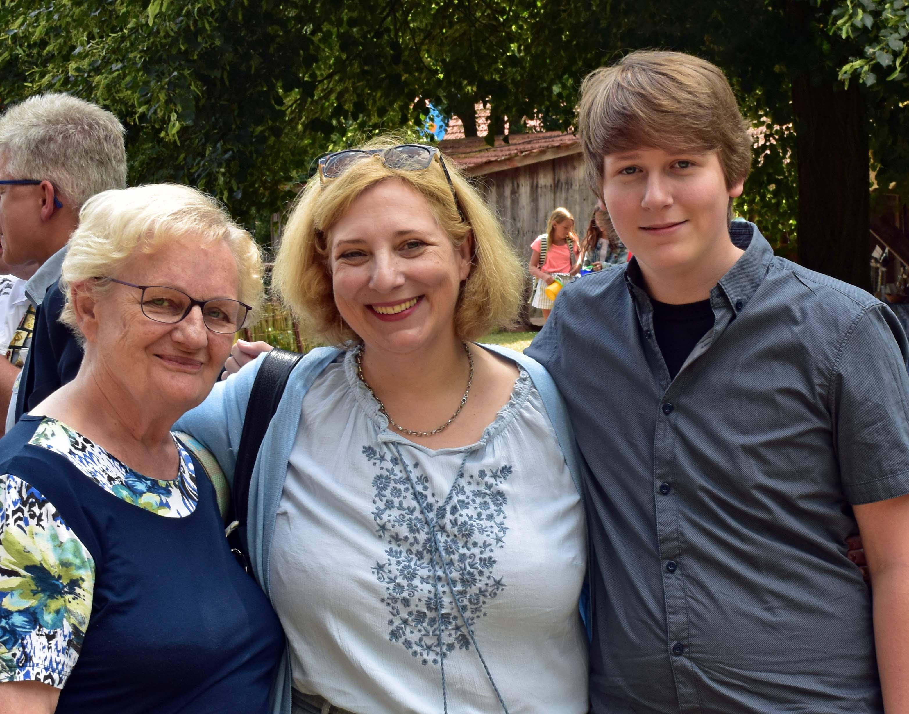 V.l.n.r. - Gudrun Roggenkamp, Dr. Daniela De Ridder und Fabian Segchelhoorn