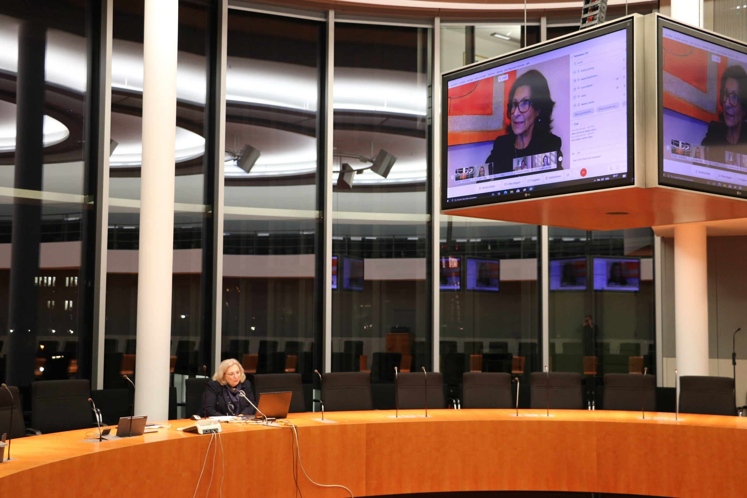 Dr. Daniela De Ridder im Dialog mit Dr. Antonia Rados