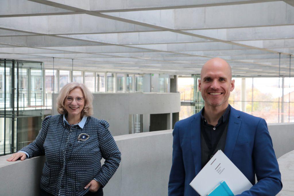 SPD-Bundestagsabgeordnete Dr. Daniela De Ridder und Maik Müller von der Martin-Roth-Initiative